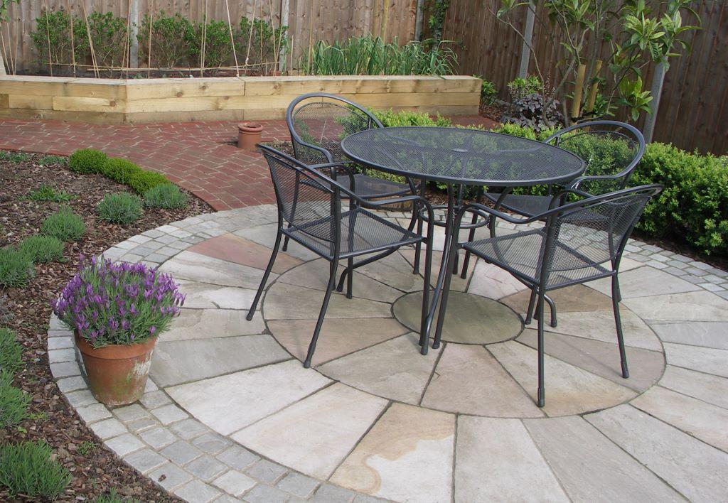 Circles in Gardens - Leaf & Acre on Circular Patio Ideas id=94276
