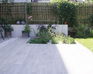 Porcelain wood-effect plank paving enhanced with sunlight and shadows